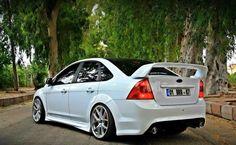 White #Ford #Focus ST Sedan mk2 with gold wheels