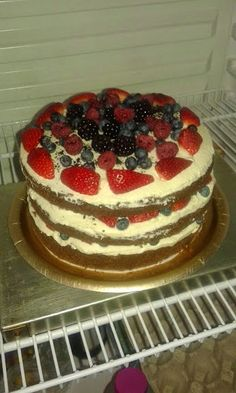 Torte fatte in casa su richiesta: Torta con frutta . Tiramisu, Cookies, Ethnic Recipes, Sweet, Amp, Sweets, Homemade, Red