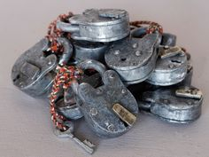 "The seller claims these are ""old"". THEY ARE NOT. They are modern productions of a model common for centuries. - Small Old Iron Padlock OTHR24030"