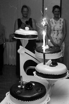 Hochzeitstorte on fire