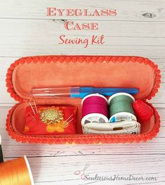 | Eyeglass Case Sewing Kit-http://sewlicioushomedecor.com Why didn't I think of this?!