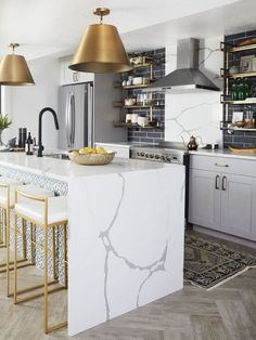 12 Affordable Brass Pendant Lights 12 Affordable Brass Pendant Lights – Cone pendant light above white marble kitchen island - High Quality Marble Kitchens Industrial Kitchen Design, Interior Design Kitchen, Home Design, Design Ideas, Industrial Kitchens, Kitchen Designs, New Kitchen, Kitchen Decor, Kitchen Ideas