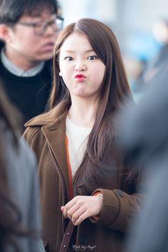 Haha so cute OhMyGirl Seunghee