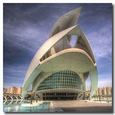 Valencia Opera House, Santiago Calatrava photo by Vicent de los Angeles, via Flickr