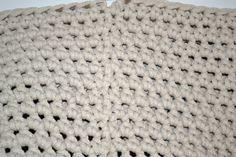 Háčkovaný puf s fotopostupem Rest, Diy And Crafts, Blanket, Projects, Home Decor, Ideas, Crochet Pouf, Tejidos, Do It Yourself Crafts