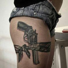 19 Ideas Tattoo Frauen Oberschenkel Waffe For 2019 Mutterschaft Tattoos, Tattoo Femeninos, Tatuajes Tattoos, Lace Tattoo, Dope Tattoos, Body Art Tattoos, Texas Tattoos, Tatoos, Pretty Tattoos