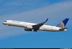 United Airlines N58101 Boeing 757-224 aircraft picture