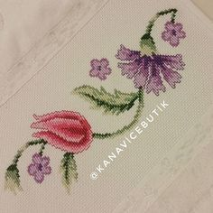 This Pin was discovered by Gul Small Cross Stitch, Just Cross Stitch, Cross Stitch Borders, Cross Stitch Flowers, Cross Stitch Patterns, Cross Stitches, Towel Embroidery, Embroidery Patterns Free, Cross Stitch Embroidery