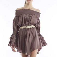 HPTunic with long ruffled sleeves NWT.  Belt not included. Gracia Dresses Long Sleeve