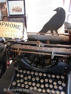 Black Crow & Typewriter