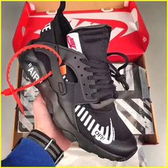 Amazing Sneakers News #sneakerspics Shoe Game, Work Sneakers, Sneakers Nike, Sneakers Fashion, Hypebeast, Baskets, Hype Shoes, Custom Shoes, Huaraches