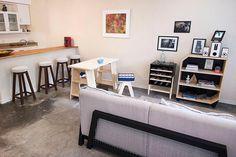 O estilo industrial é incrível para studios ou flats. Além de ter um estilo único, o open house com os amigos fica garantido.