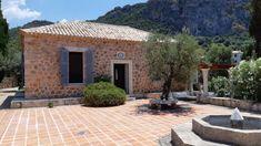 ioikia-leigh-fermor-sti-kardamuli-anoigei-sto-koino---i-istoria-mias-dwreas Greece, Patio, Outdoor Decor, Home Decor, Homemade Home Decor, Yard, Porch, Terrace, Interior Design