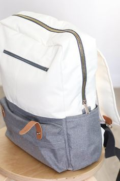 Sew backpack Kukka yourself Video instructions with sewing pattern Sailor thread handmade Bag Patterns To Sew, Sewing Patterns Free, Crochet Patterns, Handmade Handbags, Handmade Bags, Diy Rucksack, Uni Bag, Fake Designer Bags, Fabric Basket Tutorial