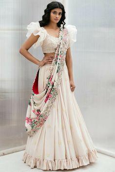 Indian style - buy embroidered lehenga set by mrunalini rao at aza fashions source by azafashions Half Saree Designs, Lehenga Designs, Lehnga Dress, Lehenga Choli, Floral Lehenga, Sarees, Indian Wedding Outfits, Indian Outfits, Wedding Dresses