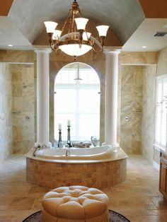 Роскошь и богатство в ванной комнате. #большая_ванная_комната #роскошь_в_в_ванной_комнате
