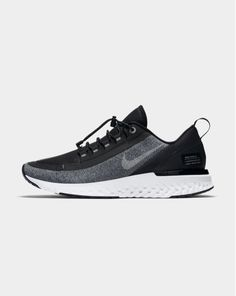 Knit Shoes, Hot Boys, Sports Shoes, Sneakers Fashion, Trainers, Kicks, Menswear, Footwear, Overhead Press