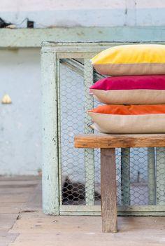 1, 2, 3, #printemps !   #pink #red #yellow #velvet #cushion