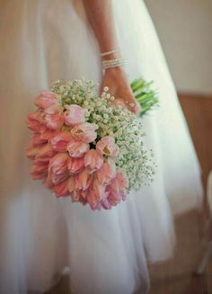 Simple and fantastic! #pink #white #babysbreath #floral #bouquet
