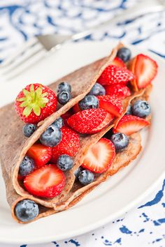 Flaxseed and buckwheat berry crepes...this looks delicious