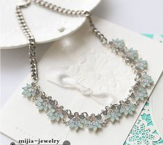 Min. order $10 . Free shipping! fashion alloy mental green crystal star flower pendant necklace en jewelry style collar women-in Choker Necklaces from Jewelry & Accessories on Aliexpress.com | Alibaba Group