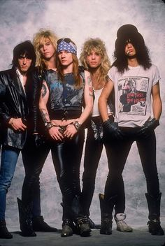 rock For everything Guns n Roses check out Iom - Guns And Roses, Slash Costume, Axl Rose Costume, Hard Rock, Heavy Metal, Rock Internacional, Hair Metal Bands, 80s Hair Bands, 80s Rock Bands