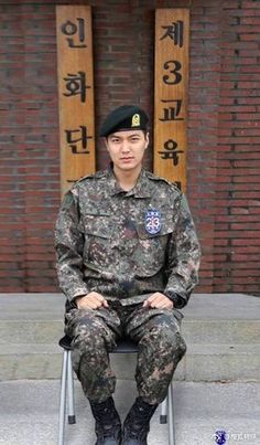 Korean Drama Actor Lee Min Ho Looks Hot in his Army Uniform – Scribble & Scroll Asian Actors, Korean Actors, Korean Dramas, Lee Min Ho Wallpaper Iphone, Lee Min Ho Dramas, Lee Minh Ho, Lee Min Ho Photos, Kim Bum, Seo Kang Joon
