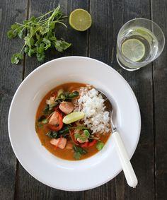 Laksecurry med spinat og paprika