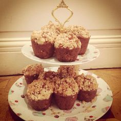 Apple and cinnamon muffins with crumble on top. All organic, gluten and lactose free.