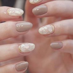 The advantage of the gel is that it allows you to enjoy your French manicure for a long time. There are four different ways to make a French manicure on gel nails. Trendy Nail Art, Stylish Nails, Easy Nail Art, Simple Nail Designs, Beautiful Nail Designs, Nail Art Designs, Nails Design, Gel Nail Art, Gel Nails