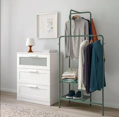 Official Website - IKEA - NIKKEBY, Clothes rack, gray-green, The assembly screws also work as hooks for hanging additional items such as bags, scarfs and jackets. NIKKEBY clothes rack holds about shirts on hangers. Ikea Inspiration, Clothes Stand, Clothes Rail, Ikea Clothes Rack, Clothes Storage, Clothing Racks, Coat Hanger Stand, Ikea Family, Ideas Para Organizar