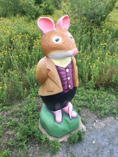 Lord Woodmouse - part of the Brambly Hedge Nature Trail Wooden Carving Collection at Abberton Reservoir