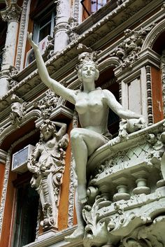 Neo-baroque architecture on the streets of Odessa,. - Neo-baroque architecture on the streets of Odessa, Ukraine Baroque Architecture, Architecture Details, Sculpture Ornementale, Sculptures, Art Beauté, Art Du Monde, Architectural Sculpture, Architectural Elements, Templer
