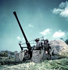 Bofors 40 mm LAA gun equipped with 'Stiffkey Stick' sights c. 1944.