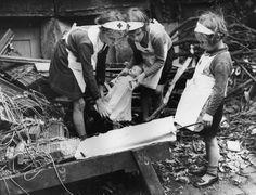 Vivere la guerra e restare bambini. Dai più piccoli una lezione di resistenza. 17 foto storiche dagli anni 40 a oggi
