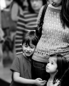 Entrelaçados tropeçando uns nos outros parte de mim tão eu que me irrita tão meus e só deles...  . . . #moms #motherhood #maededois #vidademae #amomuito #amormaiordomundo #love #tbt
