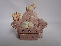 Decided to keep :) Peter Fagan Colour Box Cat Figurine Pink Gangs Chair Color Box, Colour, My Ebay, Cute Cats, Ornaments, Chair, Pink, Home Decor, Color
