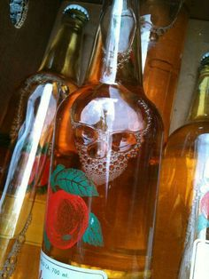 Skull in alcohol. From the Daily Dose of Randomness pics) on DormStormer Belive In, Perfectly Timed Photos, Skull And Bones, The Fool, Whiskey Bottle, Illusions, Liquor, Creepy, Funny Pictures