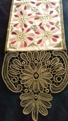 Point Lace, Decorative Boxes, Cross Stitch, Embroidery, Punto De Cruz, Seed Stitch, Cross Stitches, Decorative Storage Boxes, Crossstitch