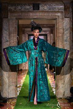 8bc72b972 Kimono à porter, the new kimonos coleection by Antonia Sautter Venezia.  Ocean color or