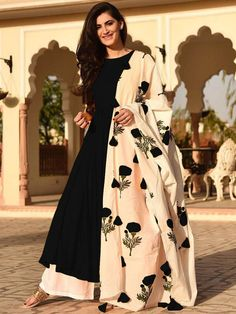 Designer eid Wear Indian ethnic Bollywood Fashion Salwar Kameez for Girl L Size Indian Gowns Dresses, Indian Fashion Dresses, Dress Indian Style, Indian Outfits, Fashion Outfits, Eid Dresses, Ethnic Fashion, Fashion Black, Woman Fashion