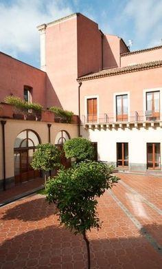 Courtyard D'Aragona,  Camplus Catania
