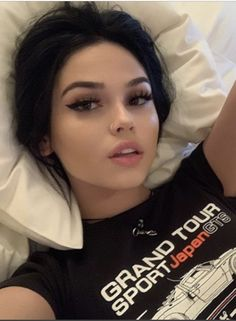 Bad Girl Aesthetic, Aesthetic Grunge, Edgy Makeup, Hair Makeup, Brunette Hair Color With Highlights, Soft Grunge Hair, Ft Tumblr, Alternative Makeup, Maggie Lindemann