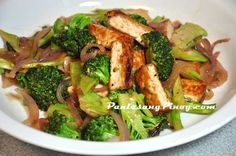 Tofu and Broccoli stir fry is a tasty dish that you can cook for lunch or dinner. The good thing about this recipe is its ease in preparation and the ingredients are readily available in most supermarkets.