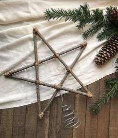 MEDIUM 11 inch Christmas Tree Star Natural Wood and Twine / Christmas Tree Topper Sticks Branches Primitive Eco Friendly Woodland Decor Natural Christmas Tree, Handmade Christmas Tree, Handmade Christmas Decorations, Diy Christmas Ornaments, Rustic Christmas, Scandinavian Christmas, Minimalist Christmas Tree, Family Ornament, Christmas Swags