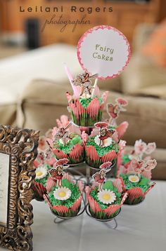 Pretty fairy cupcakes #fairy #cupcakes