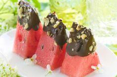 """Me Encanta el Chocolate: POSTRES DE CHOCOLATE Y FRUTAS: """"Receta Sandia con Chocolate y nueces"""""""