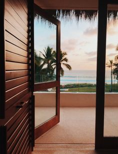 Imagine: you walking out of your house to this Beach Aesthetic, Travel Aesthetic, Beautiful World, Beautiful Places, Beautiful Gorgeous, Future House, My House, Window View, Travel Pictures