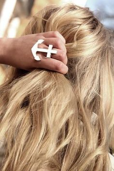 blonde wavy hair | Hairstyles and Beauty Tips and anchor ring