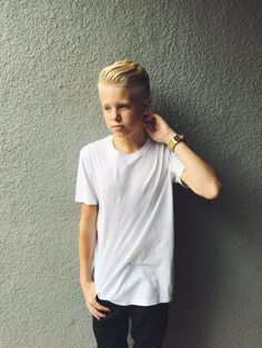{Carson Lueders} Hi I'm Carson! I'm 15 and single. I'm in 8th grade. Room 2